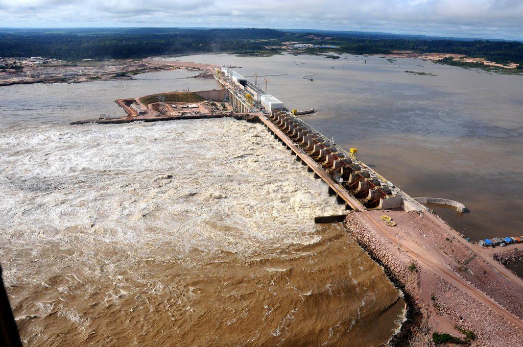 A Usina Hidrelétrica (UHE) de Jirau, localizada no Rio Madeira, a cerca de 120 quilômetros de Porto Velho, teve processos melhorados com atuação de pesquisadores da UFPR. Foto: Governo Federal/Flickr/Divulgação, 2014
