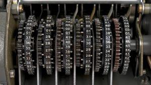 Engrenagem do modelo CX-52 da suíça Crypto AG, usado pelo governo brasileiro e distribuído para países latino-americanos nos anos 70; empresa era controlada pelos governos dos EUA e Alemanha. A foto é registro de um item de museu. Foto: Arquivo/Criptomusem